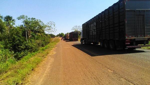 2° DIA DE PROTESTO: bloqueio da TO-010 muda para o Tapuio
