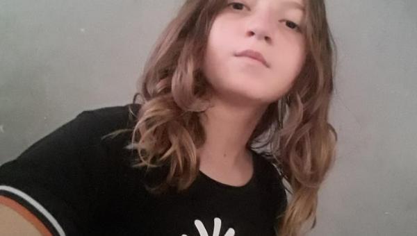 Adolescente desaparece após ingressar em carro no Bairro Flor do Ipê