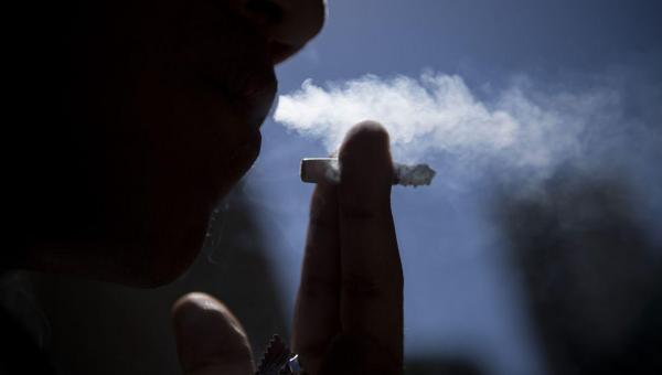 ALERTA: Fumante com coronavírus tem 14 vezes mais chances de morrer