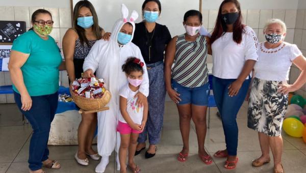 Assistência Social entrega ovos de Páscoa aos alunos da Rede Municipal