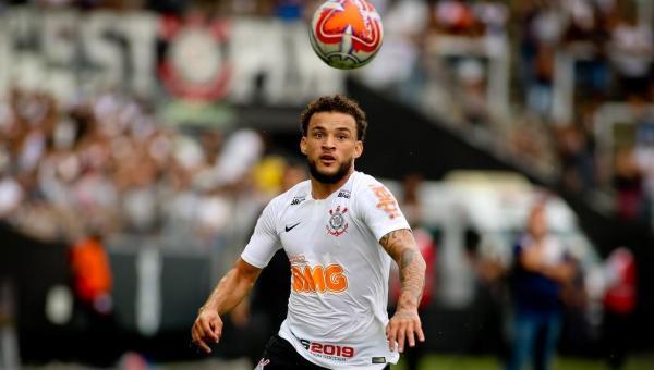 Atacante que disputou cinco jogos pelo Corinthians pode ser vendido por quase R$ 15 milhões