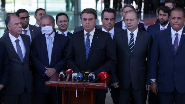 BOAS NOTÍCIAS: Bolsonaro diz que auxílio emergencial será de R$ 300 por mais 4 meses