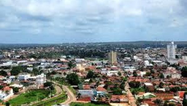 Briga por ciúmes acaba com homem esfaqueado e outro baleado em Araguaína