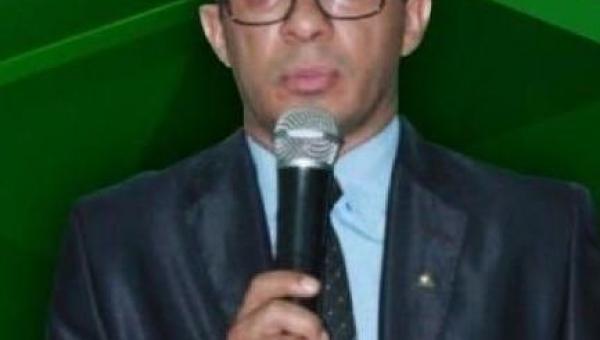 AUGUSTINÓPOLIS: Diretor da Fabic, Prof. Dr. Nilton Elias recebe o Título Honorífico de Embaixador da Paz