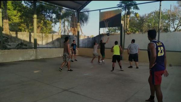Basquetebol tem um grupo de incentivadores em Pau d'Arco no norte do Tocantins