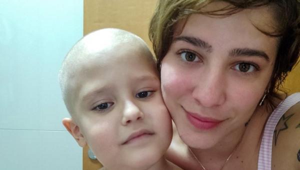 BOAS NOTICIAS: Após corrente na web, mãe do menino Chico consegue arrecadar R$ 96 mil para despesas durante tratamento contra o câncer
