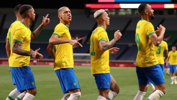 Brasil domina Egito e, com gol de Matheus Cunha, avança para pegar o México na semifinal das Olimpíadas