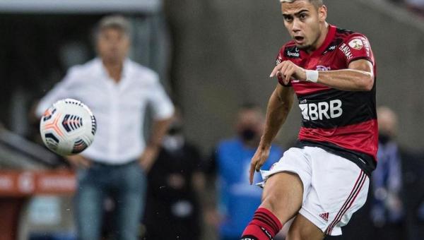 Coringa 2.0! Andreas Pereira encontra equilíbrio e assume posto em meio-campo do Flamengo