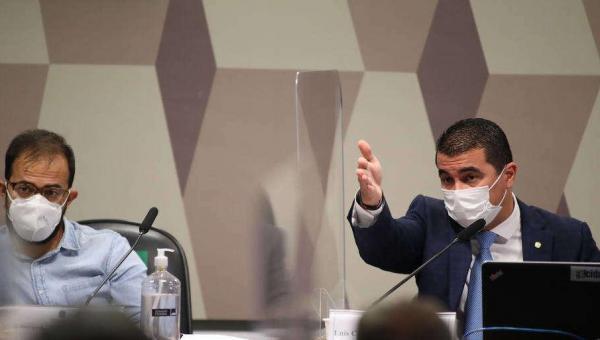 CPI da Covid avalia levar Bolsonaro ao STF por suposto crime de prevaricação no caso Covaxin