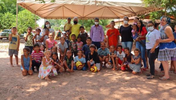 Crianças de Arapoema são beneficiadas com alegria e brincadeira nesta terça-feira