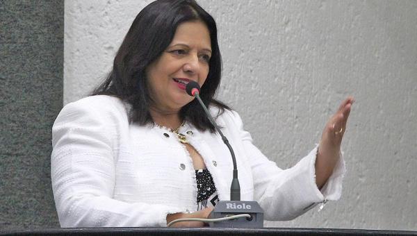 Deputada Valderez destina R$ 635 mil em emendas individuais para compra de vacinas contra a COVID-19