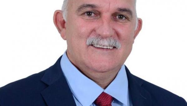 Deputada Valderez lamenta morte do amigo Temis, prefeito de Nova Olinda