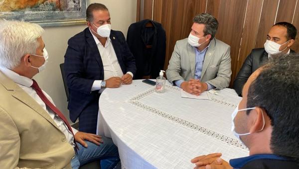 Eduardo Madruga acompanha prefeitos do Bico do Papagaio a Brasília para busca de recursos
