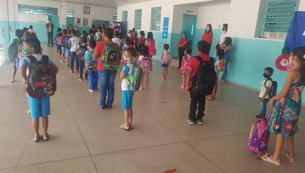 Em Ananás aulas presenciais são retomadas por escolas municipais