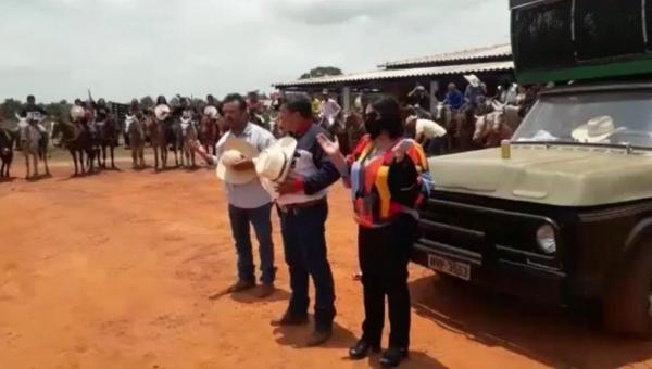 Em Araguaína, Deputada Valderez Castelo Branco prestigia Cavalgada no Povoado Brejão