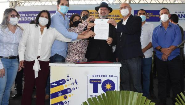Em inauguração de Escola de Tempo Integral, Valderez reforça importância da Educação em Araguaína
