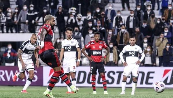 Flamengo goleia o Olimpia no Paraguai e dá passo importante rumo às semifinais da Libertadores