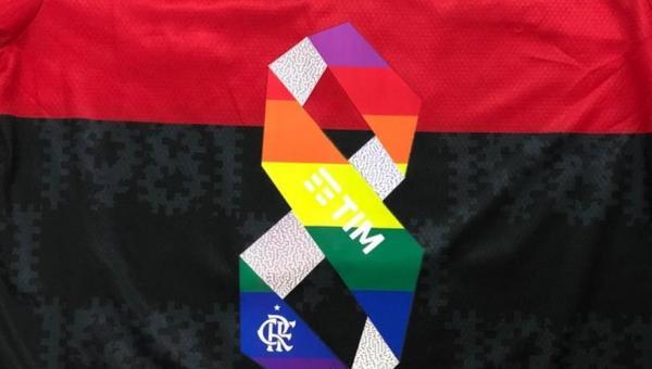 Flamengo vai usar números com as cores da bandeira LGBTQIA+ e leiloar uniformes
