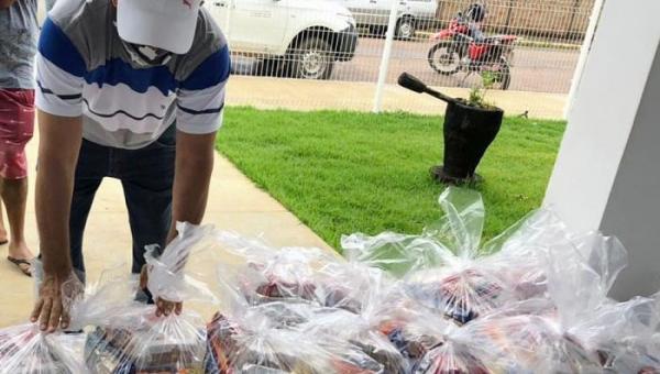 Governo do Tocantins faz doações de cestas básicas para classe artística e cultural da região sul do Estado