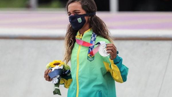 IMPERATRIZ: Aos 13 anos, Rayssa Leal ganha prata do skate e se torna a mais jovem medalhista olímpica do esporte brasileiro