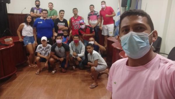 Incentivadores do Basquetebol em Pau d'Arco promovem minicurso de formação das regras básicas do basquetebol de quadra