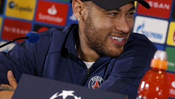 """Neymar prioriza conquista da Champions com PSG e esnoba Bola de Ouro: """"Já nem ligo"""""""