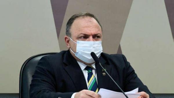 Pazuello negociou Coronavac com intermediários pelo triplo do preço