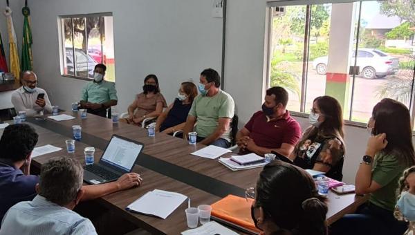 Prefeito Batista Cavalcante e representante de diversas áreas discutem ações do Plano Plurianual de Presidente Kennedy