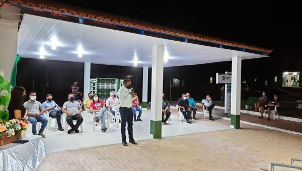 Prefeito de Cachoeirinha entrega à comunidade Academia de Saúde