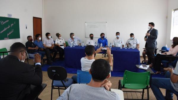Prefeito de Colinas, Dr. Kasarin recebe equipe da UNIRG e autoridades para viabilizar implantação de polo e curso de medicina no Município