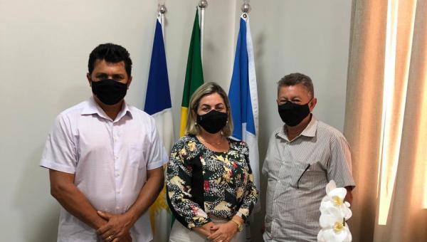 Prefeito de Presidente Kennedy e Prefeita de Guaraí firmam parceria para restauração de estradas vicinais