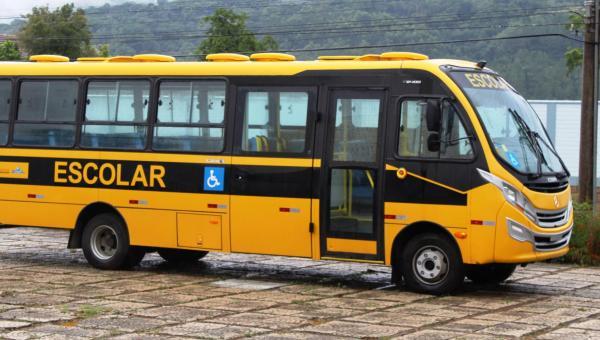 Prefeito Djalma Júnior disponibiliza Ônibus gratuito para Universitários.