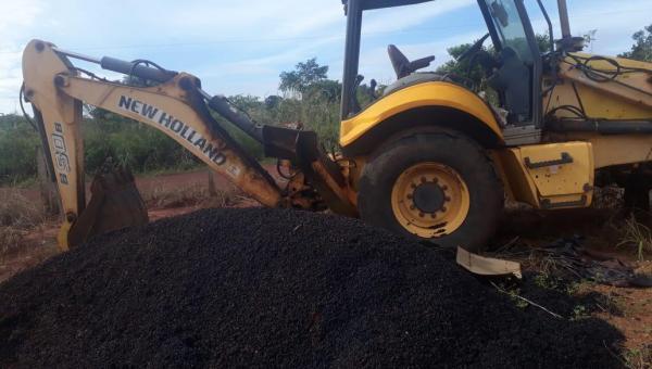 Prefeitura de Angico realiza leilão de sucata, retroescavadeira e trator no dia 16 de junho