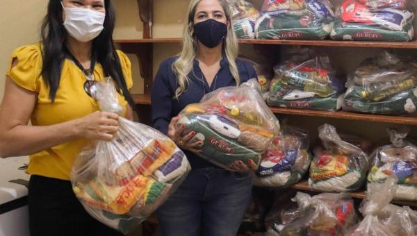 Prefeitura de Xambioá distribui kits de alimentos para alunos da Rede Municipal de Ensino.