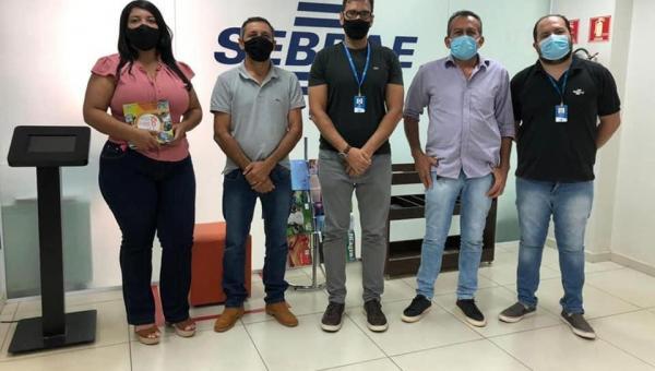 Prefeitura e SEBRAE firmam parceria para capacitação de Empreendedores Locais de Piraquê