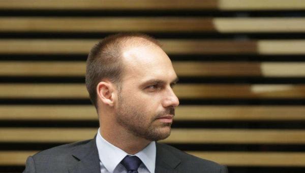 Presidência elaborou decreto para incluir covid na bula de cloroquina, diz Mandetta