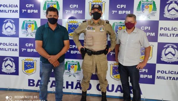 PRESIDENTE KENNEDY: Prefeito Batista Cavalcante se reúne com Polícia Militar