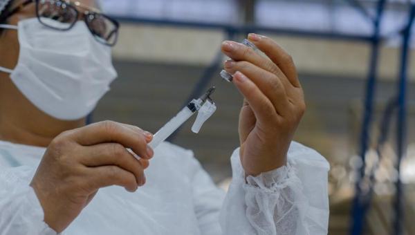 Principais cidades do TO suspendem vacinação contra a Covid-19 durante o feriado