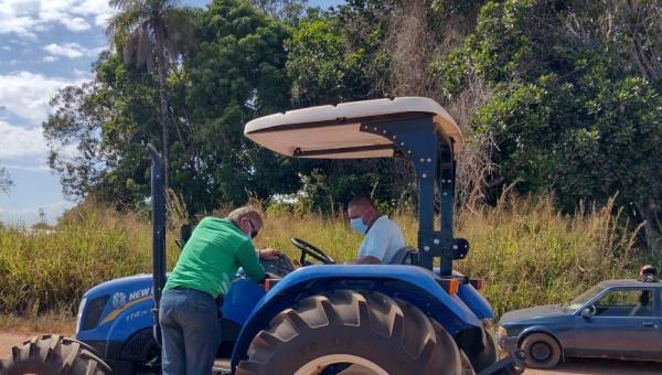 QUALIFICAÇÃO PROFISSIONAL: Prefeitura e SENAR realizam Curso de Operação e Manutenção de Tratores Agrícolas em Arapoema
