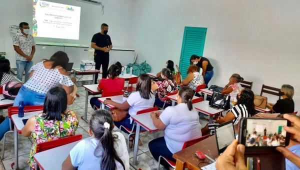Secretaria de Educação, Cultura e Esporte promove capacitação com manipuladoras de alimentos para retorno das aulas presenciais