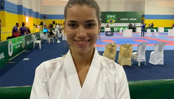 Tocantinense Karoline Burjack disputou o Brasileiro de Karatê