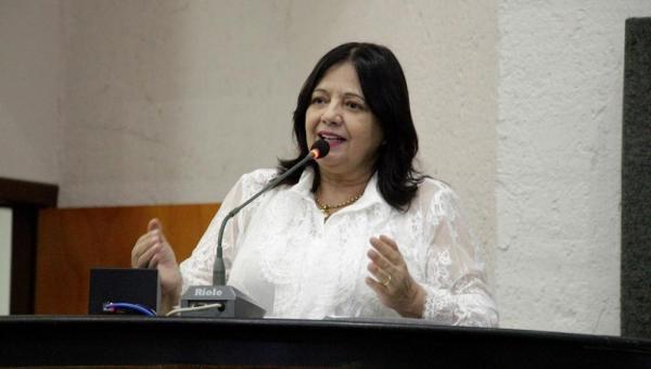 Valderez é reconduzida à Presidência da Comissão de Saúde e Assistência Social da Assembleia