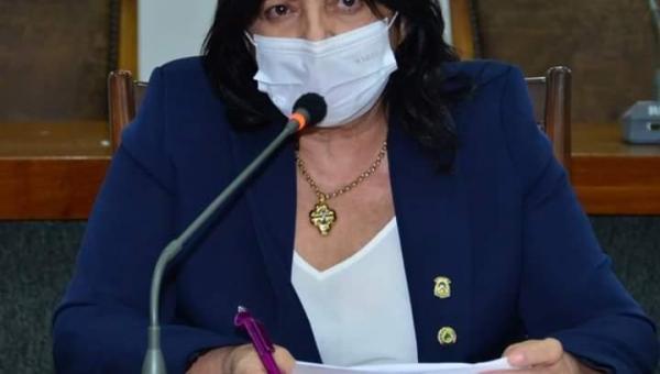 Valderez quer distribuição de máscaras PFF2 para trabalhadores e alunos da rede estadual de ensino