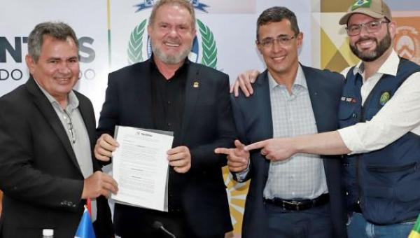Vale-gás, entrega de títulos de imóveis e agenda com Governo Federal são destaques na semana do Governador Carlesse