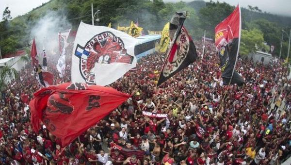 Decolou! Após festa no Rio, Flamengo parte rumo a Lima para final da Libertadores