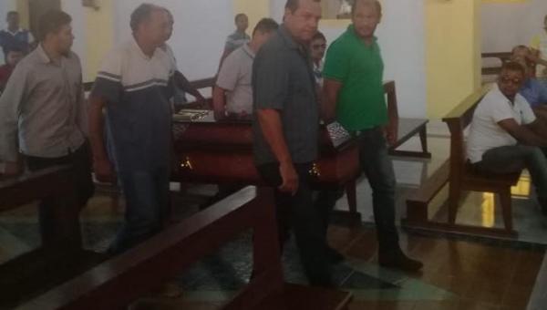 LUTO: Deputado Fabion lamenta morte da mãe da prefeita Elvira, dona Luíza Chagas
