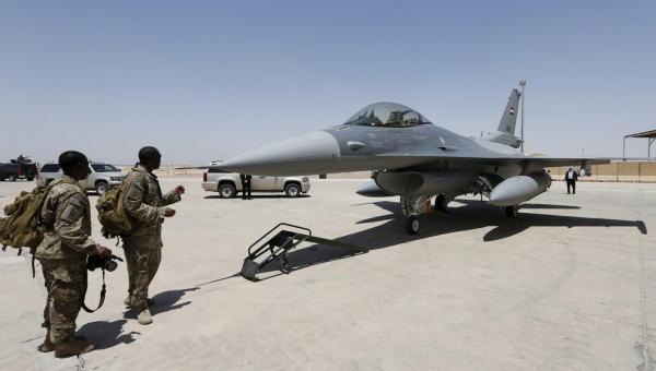 Dois mísseis são lançados contra base aérea dos EUA no Iraque, mas erram o alvo