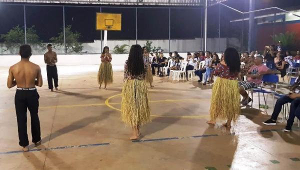 EDUCAÇÃO: CEM realiza noite da Consciência Negra e Meio Ambiente, em Ananás