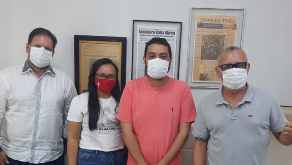 Fábio Félix apresenta demandas de Presidente Kennedy ao Gabinete da Senadora Kátia Abreu