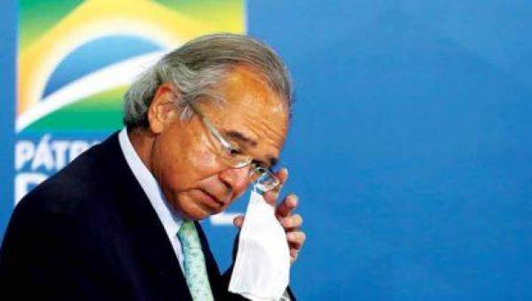 Guedes 'excedeu barbaramente' limites ao comparar servidor a parasita, diz juíza